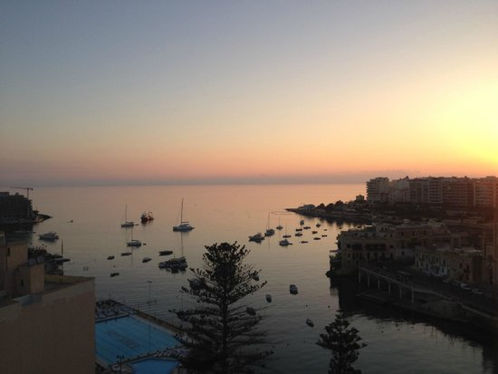 Le Meridien St. Julians : Executive room with sea view