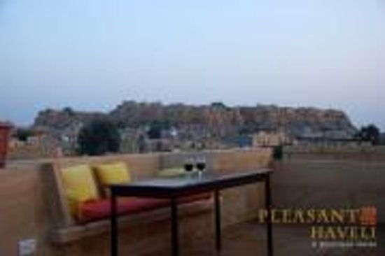 Hotel Pleasant Haveli : Fort View From Pleasant Haveli Roof Top