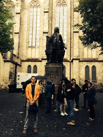 St. Thomas Church (Thomaskirche): Bach statue