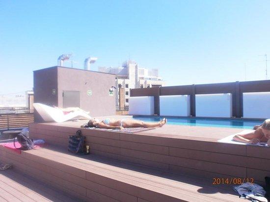 Piscina sulla terrazza dell\'hotel - Picture of Hotel Exe Moncloa ...