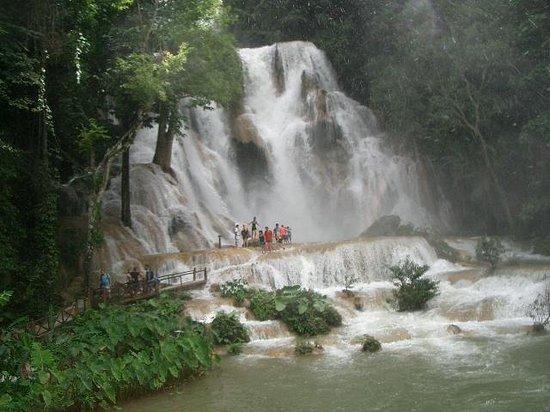 Kuang Si Falls : クアンシーの滝