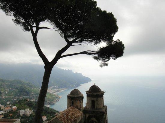 Villa Rufolo : Vista clássica a partir da Villa Rufollo