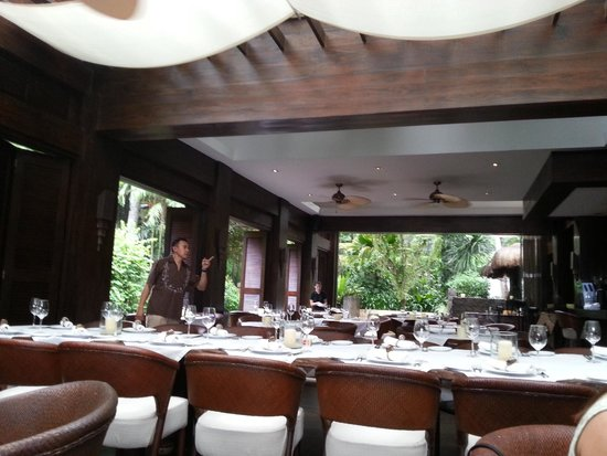 Abaca Restaurant: Inside view