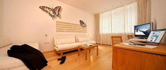 Hotel Dominic: Wohnraum Panoramasuite