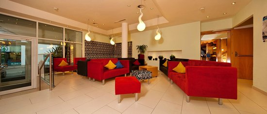 Hotel Dominic: Hotelhalle