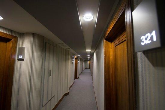 Hotel Bahia Santander: Pasillo habitaciones