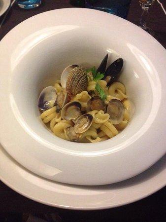 Ristorante La Marinella : Vesuviotto ai frutti di mare, il piatto ricorda il cratere !
