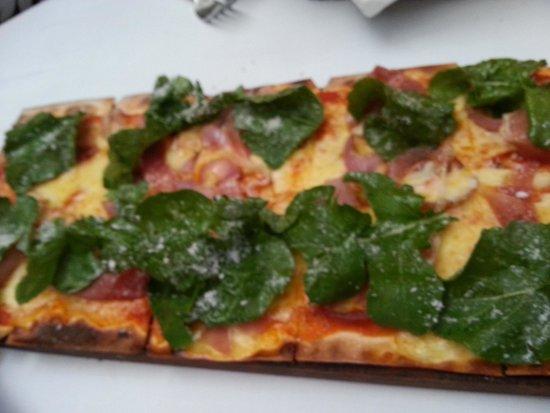 Abaca Restaurant: Parma pizza