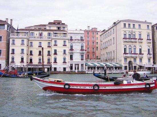 Hotel Des Bains, Venice Lido Resort: ホテル・エウローパ&レジーナへも専用ボートで
