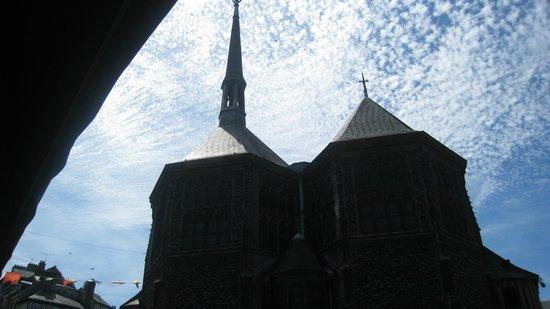 Église Sainte-Catherine : exterior