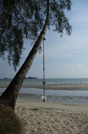 Santhiya Tree Koh Chang Resort: Khlong Phrao Beach