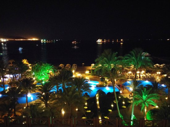 InterContinental Aqaba Resort : Night view from the Club Lounge
