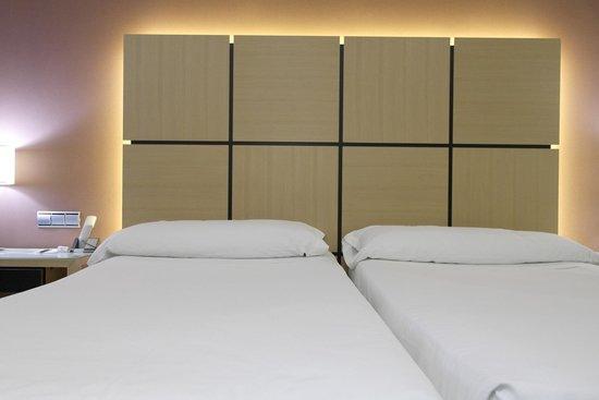Silken Puerta Valencia: Bed