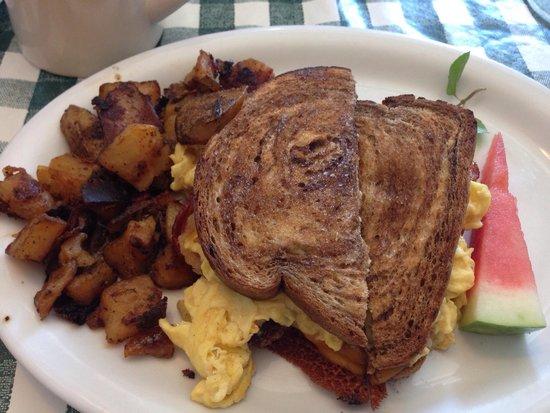 Lizzie's Cafe & Bistro 142nd St.: Lizzie's breakfast sandwich