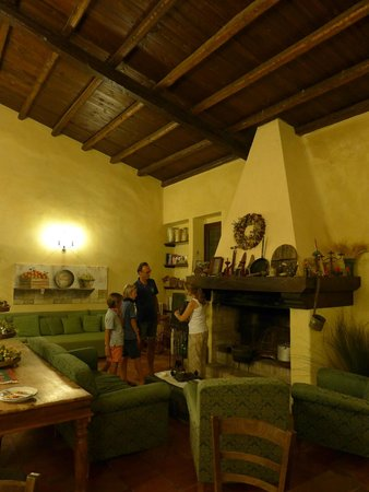 Le Case di Cardellino: the main dining room