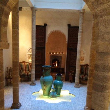 Riad Malaika : The entryway