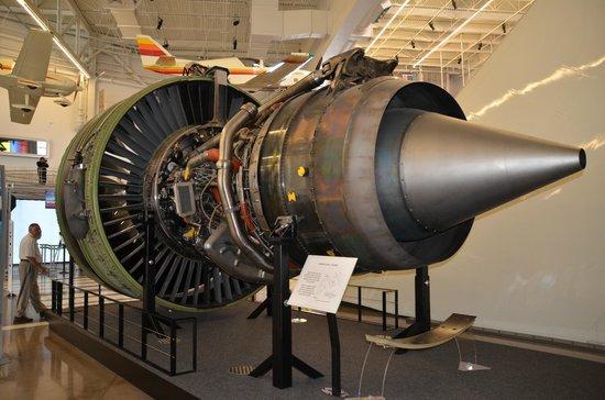 Future of Flight Aviation Center & Boeing Tour: Reacteur d'avion