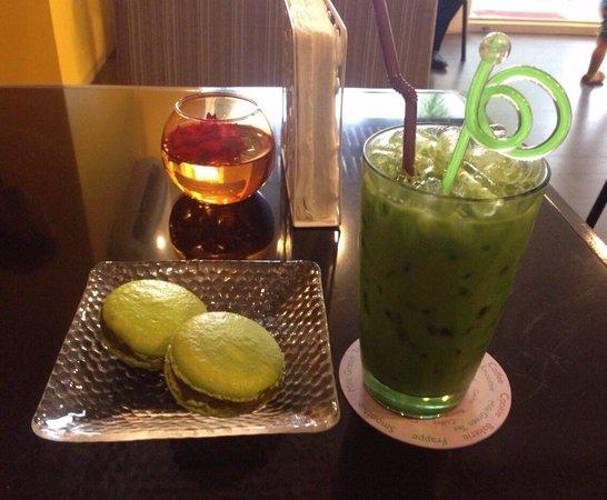 Memoire Lounge: Enjoy milk green & Macarron green tea