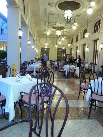 Hotel Riu Palace Riviera Maya: Tische im Restaurant
