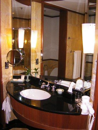 Mandarin Oriental, Kuala Lumpur: 洗面台