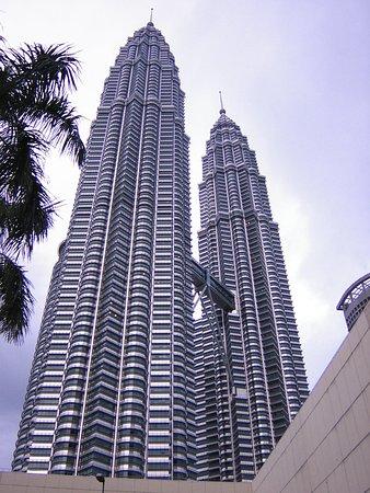 Mandarin Oriental, Kuala Lumpur: ホテルからペトロナス・ツイン・タワーを望む
