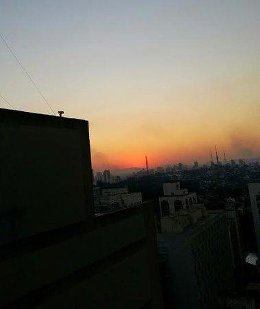Ibis Budget Sao Paulo Paulista: Vista da janela no final de tarde