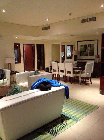Hilton Dubai Jumeirah Beach: Habitación en el apart hotel Hilton Residences
