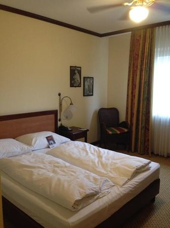 Trans World Hotel Donauwelle: chambre double