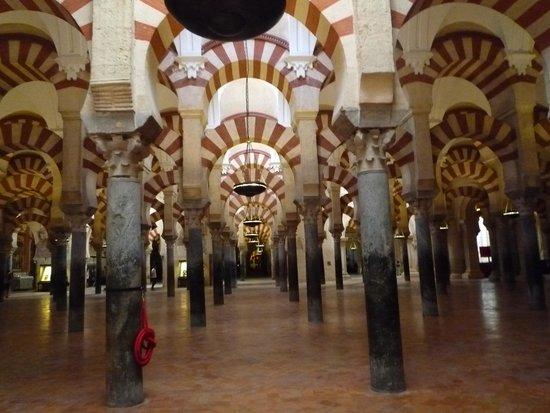 Mezquita-Catedral de Córdoba: 柱
