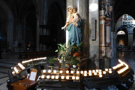 Santa Maria Sopra Minerva: Virgin Mary