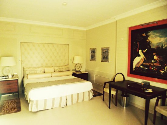 Iberostar Grand Hotel Bavaro : Elegantly designed room