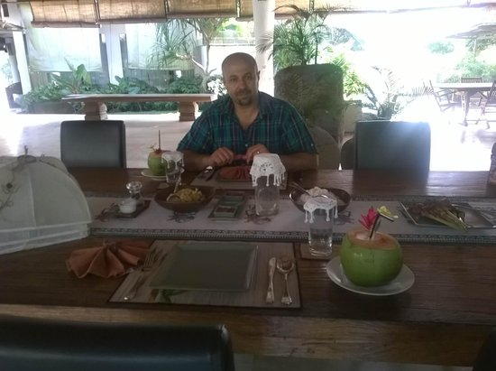 Pandawas Villas: Me at my favourite past-time: Lunch!