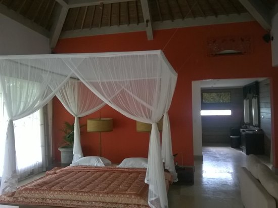 Pandawas Villas : 125 sqm Nakul Suite - lovely bright colours