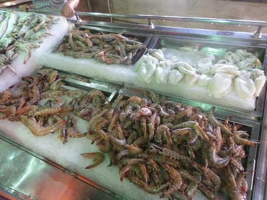 Balbaa Village: Stand with shrimps and squids!