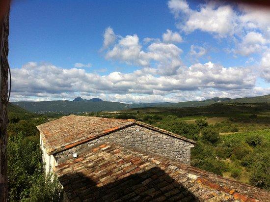 Domaine de Blancardy - Auberge : Par la fenêtre de la chambre Delphine
