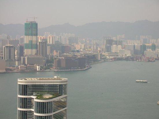 Conrad Hong Kong: ヴィクトリア湾の眺め