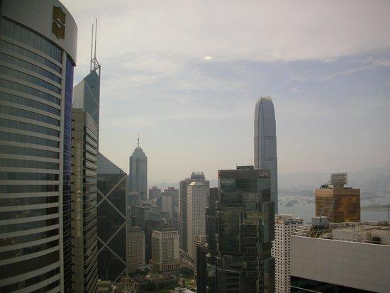 Conrad Hong Kong: 隣はアイランド・シャングリラ
