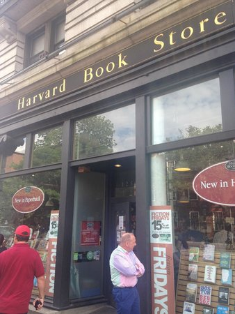 Charles Hotel: Nearby Harvard Book Store