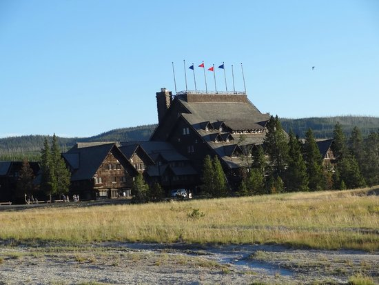 Old Faithful Snow Lodge and Cabins: Yellowstone Park