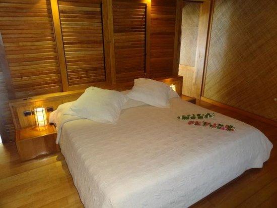 Bora Bora Pearl Beach Resort & Spa : Dormitorio habitación