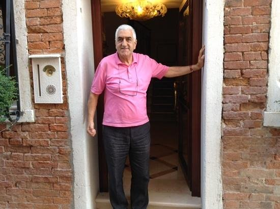 Hotel Ca' Dogaressa: paolo is the welcoming owner