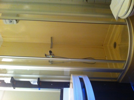 Hôtel balladins Arles : Il bagno