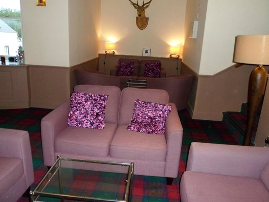 Moffat, UK: Sitting area just off the Bar