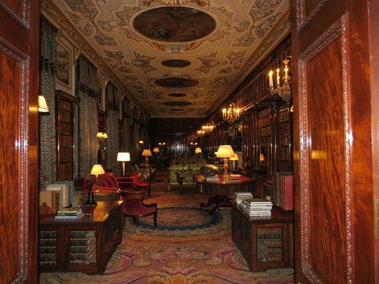 Chatsworth House: Saloon