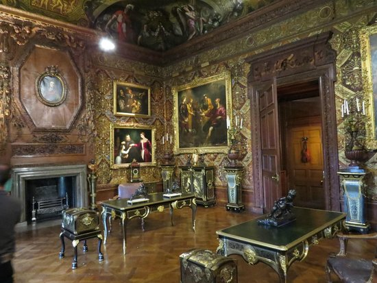 Chatsworth House: Leather Embossed Study Walls