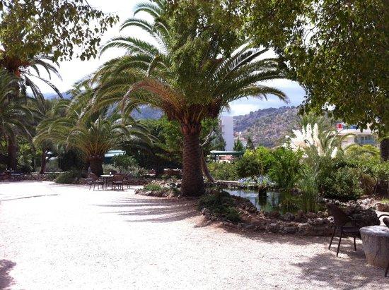 Es Port Hotel : großartige Gartenanlage mit Liebe zum Detail!