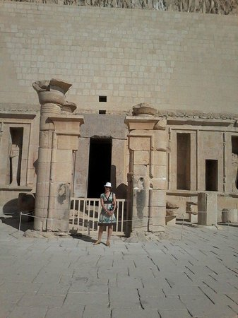 Egyptraveluxe - Day tours: hatshepsut temple