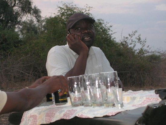 Thornicroft Lodge: Rogers with sundowners