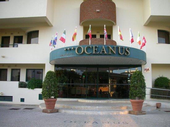 Aparthotel Oceanus : Front of Hotel