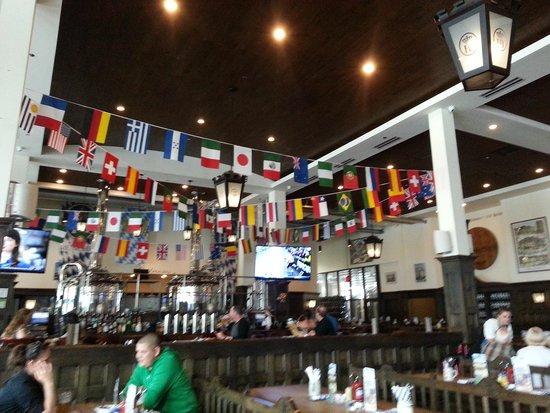 Hofbrauhaus Chicago: Bar
